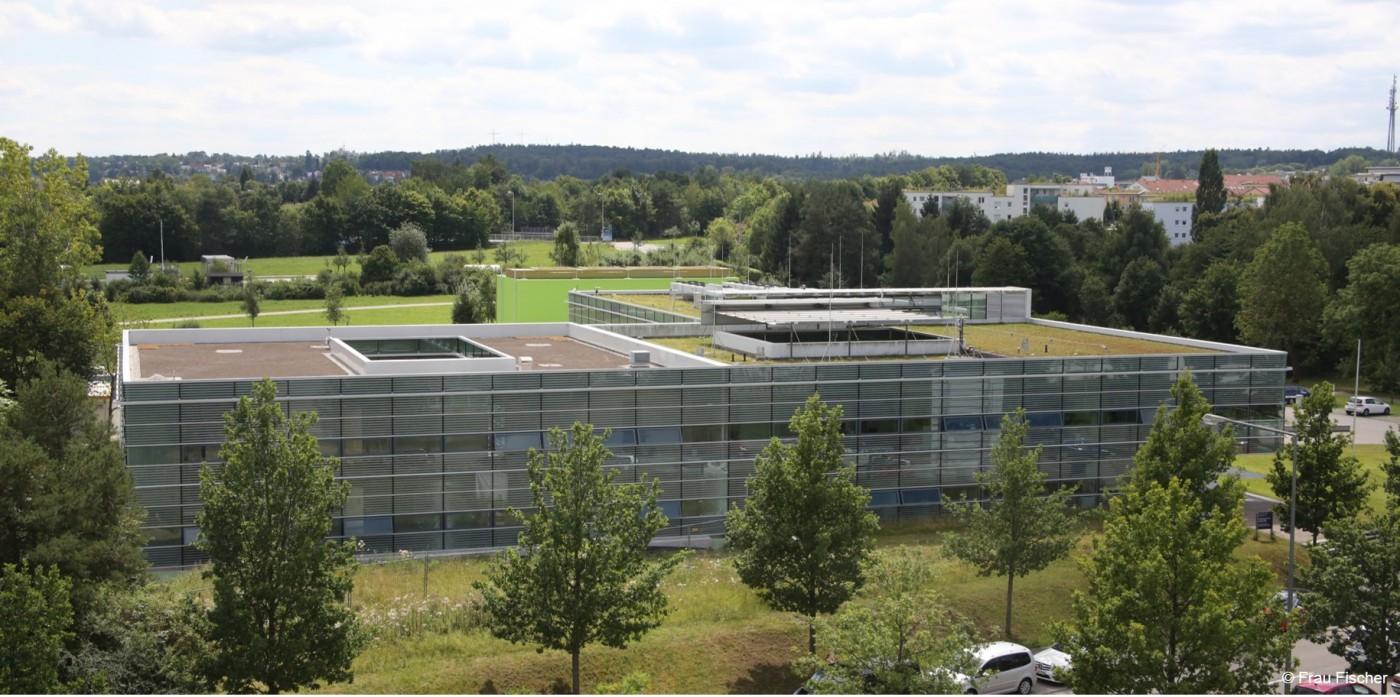 ww_Bildung_Hochleistungsrechenzentrum_Universitaet_Stuttgart_Copyright_Frau Fischer_4c_1400x0_4