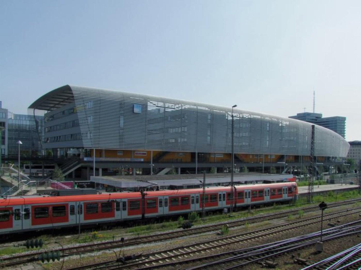 zob_Zentraler Omnibusbahnhof Muenchen_100625_30_expo_01