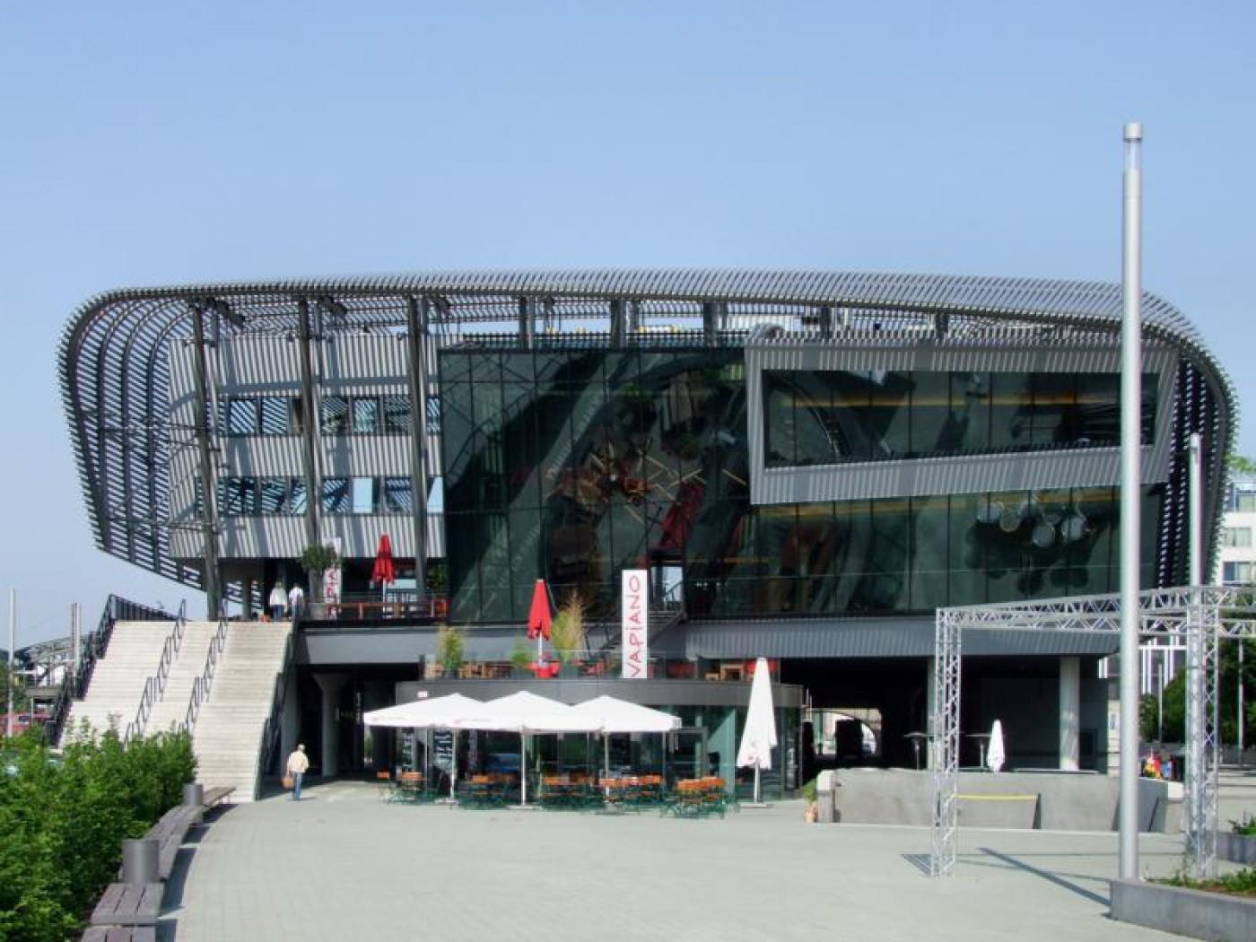 zob_Zentraler Omnibusbahnhof Muenchen_100625_30_expo_03